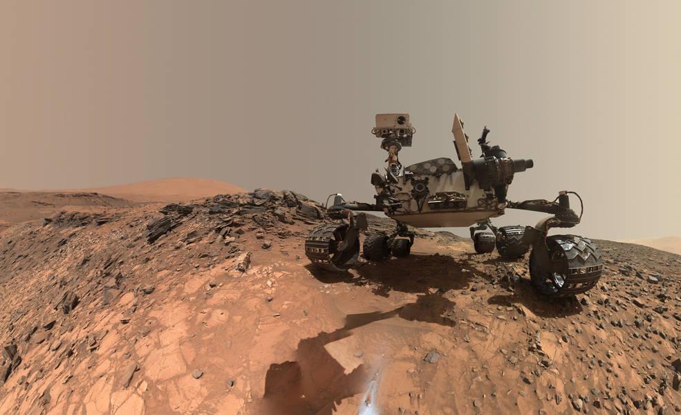 Curiosity, возможно, обнаружил богатые водой горные породы и сделал новый селфи у подножья горы Шарпа - 1