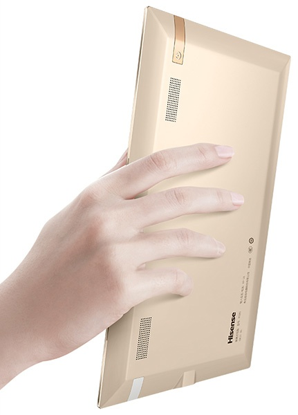 Экран занимает 90% площади фронтальной панели планшета Hisense Vidaa Mirror - 2