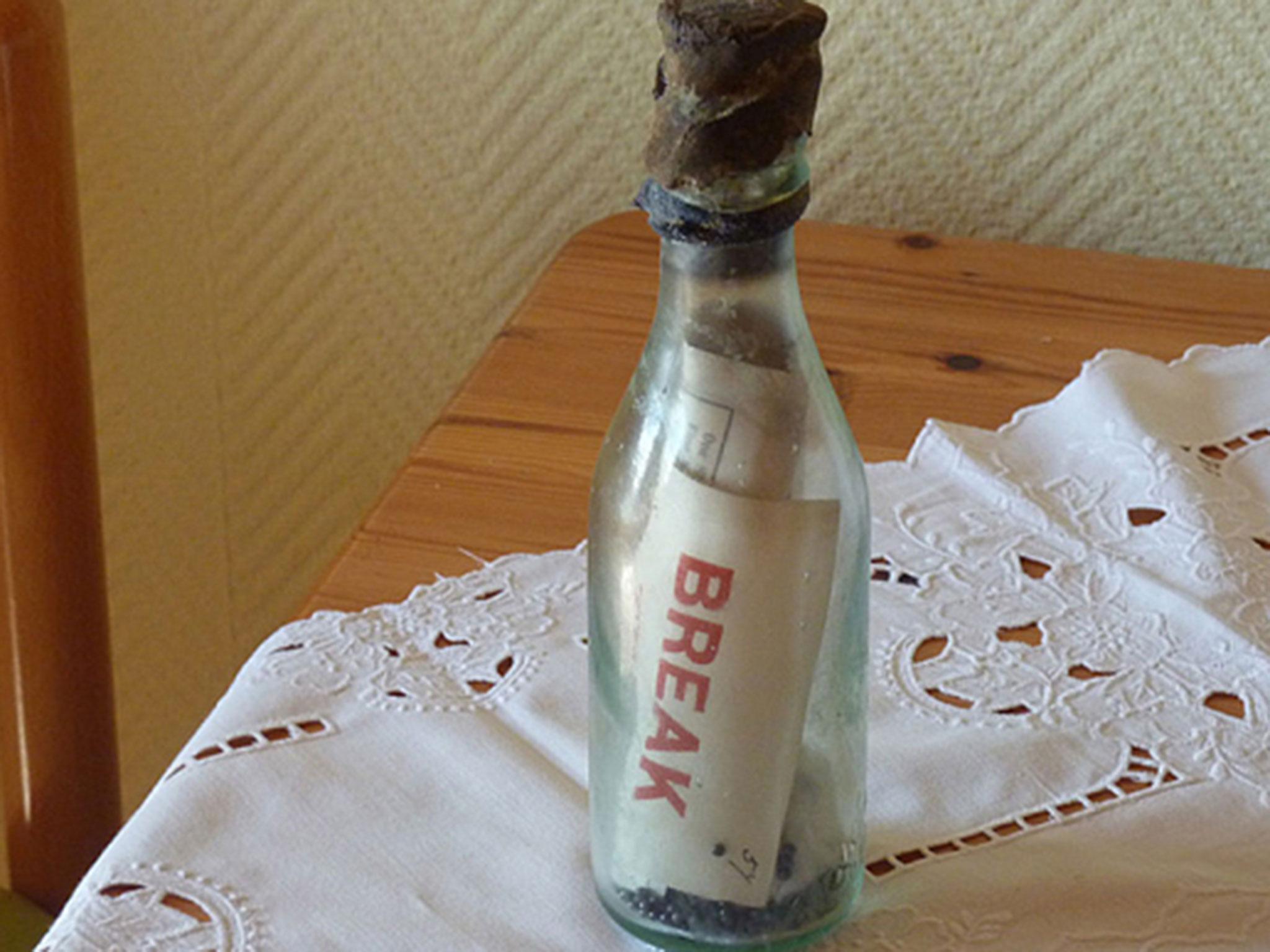 В Германии нашли бутылку с запиской, которая провела в море 108 лет - 1