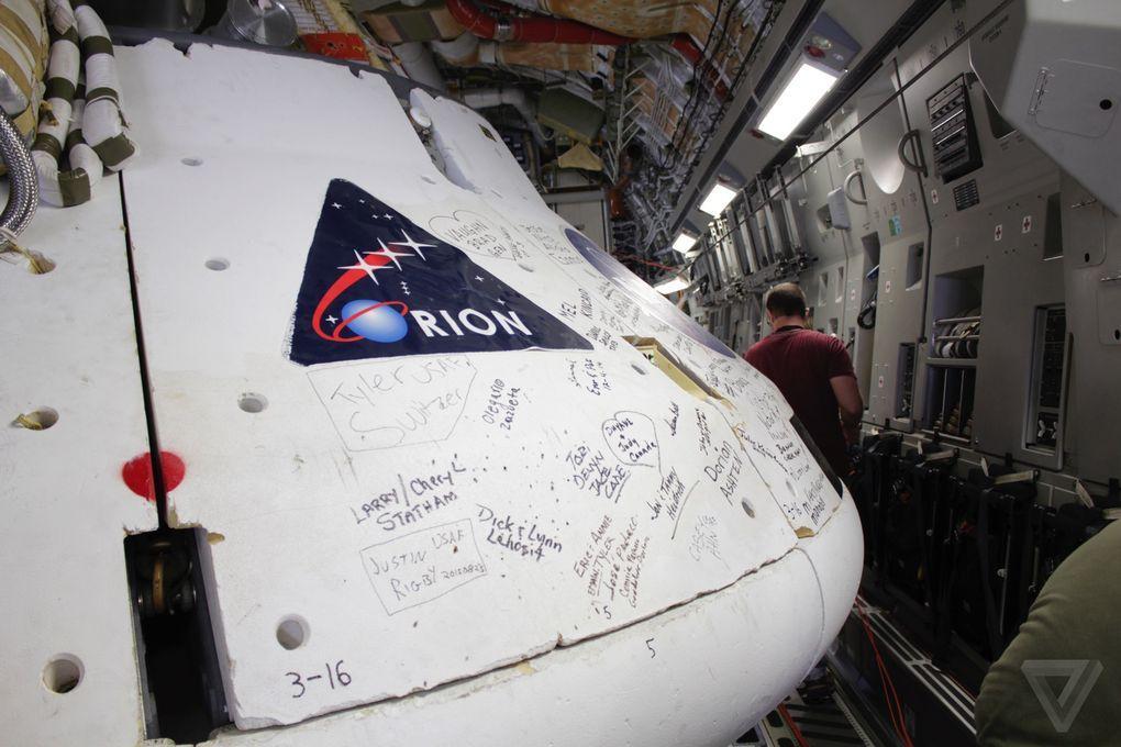 Космический корабль в пустыне: как прошло приземление капсулы Orion? - 5