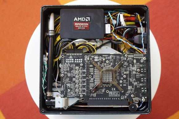 Фотогалерея дня: разборка ПК AMD Project Quantum