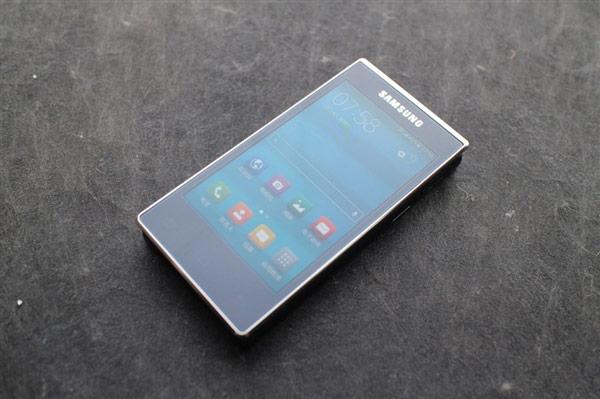 Появились «живые фото» смартфона-раскладушки Samsung SM-G9198 - 4