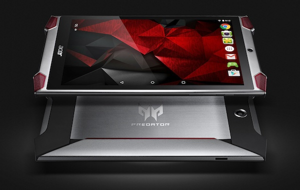 Уменьшенным вариантом игрового планшета является смартфон Predator 6