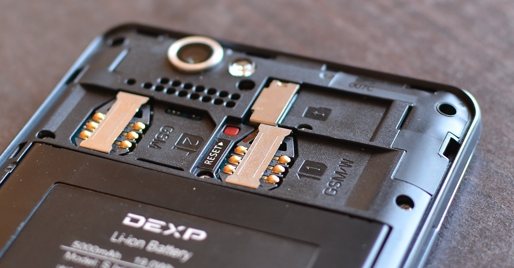 Обзор DEXP Ixion Energy: флагманский смартфон с рекордной батареей на 5 000 мАч и функцией Power Bank'а - 11