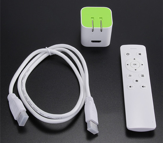 В стандартный комплект поставки входят CX-S500, HDMI-кабель и пульт дистанционного управления