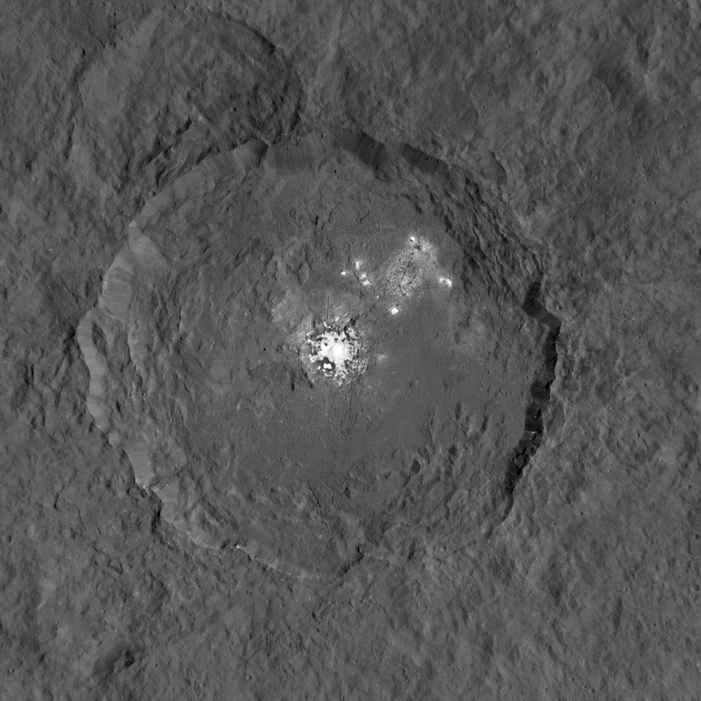 Белые пятна на Церере наконец-то «попали в фокус» - 2