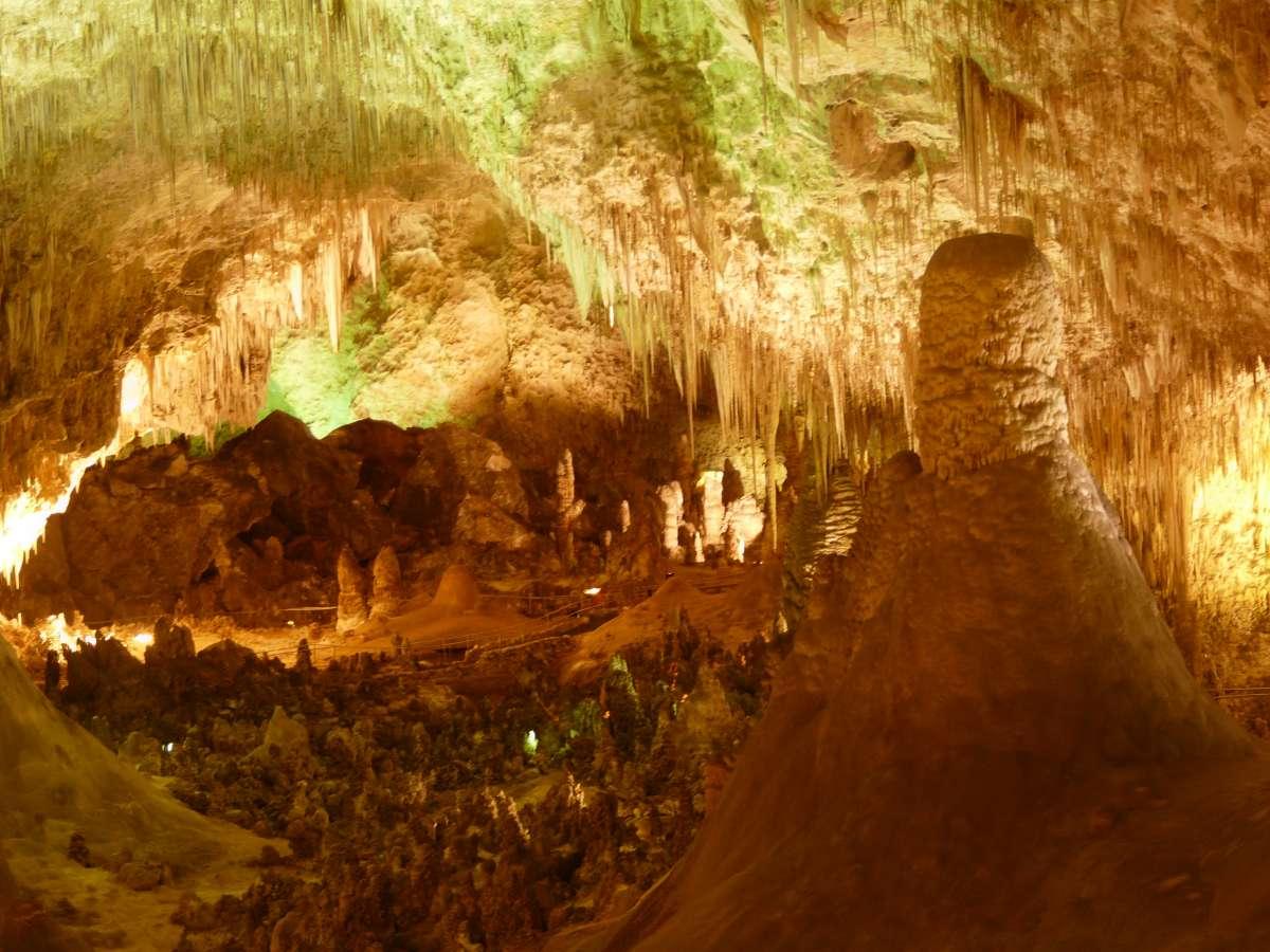 Микробы определенных видов вызывают рост пещер - 1