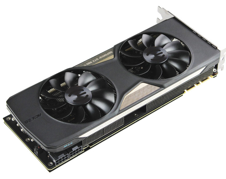 На тыльной стороне печатной платы 3D-карты EVGA GeForce GTX 980 Ti FTW ACX 2.0+ закреплена металлическая пластина
