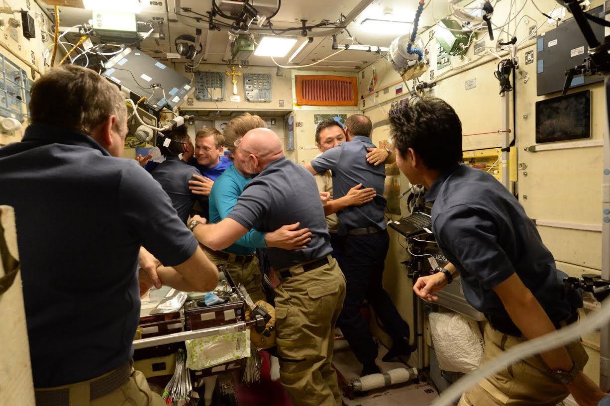 «Союз ТМА-16М» успешно вернул трёх членов экипажа МКС на Землю - 2