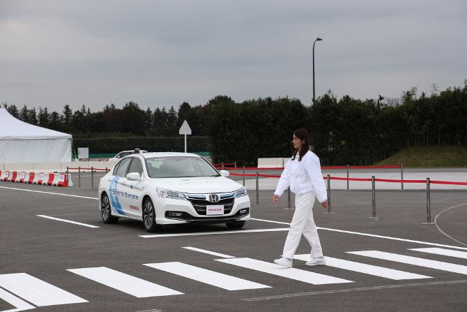 Honda протестирует собственные робомобили на дорогах Калифорнии - 1