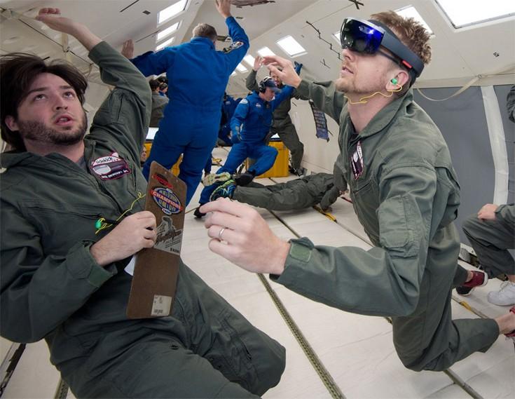 Шлемы HoloLens могут отправиться на МКС 3 декабря