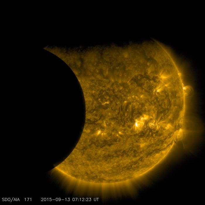 Опубликованы фото и видео солнечного затмения 13 сентября 2015 года со спутников - 3