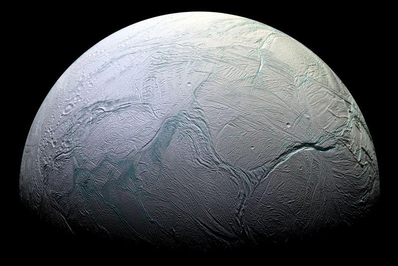 NASA: на Энцеладе тоже есть подледный океан - 1