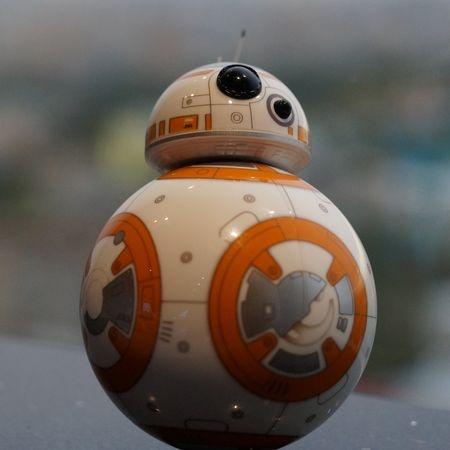 Обзор Sphero BB-8, робота из «Звёздных войн» - 3
