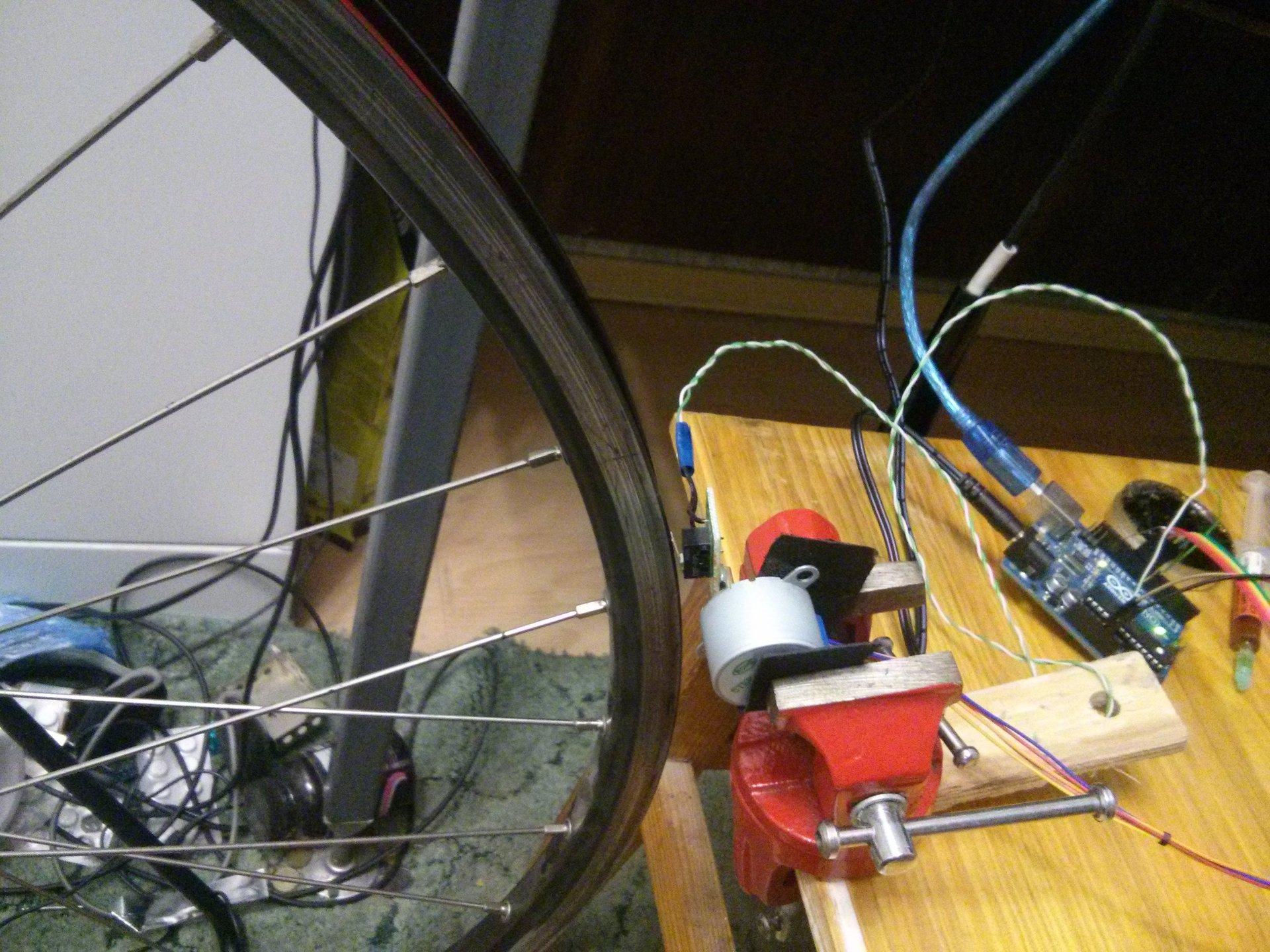 Электронный анализатор восьмерки и овала велосипедного колеса - 4