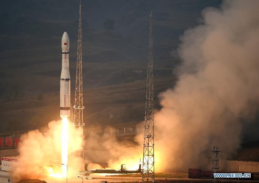 Китай успешно запустил ракету-носитель «Чанчжэн-6» - 1