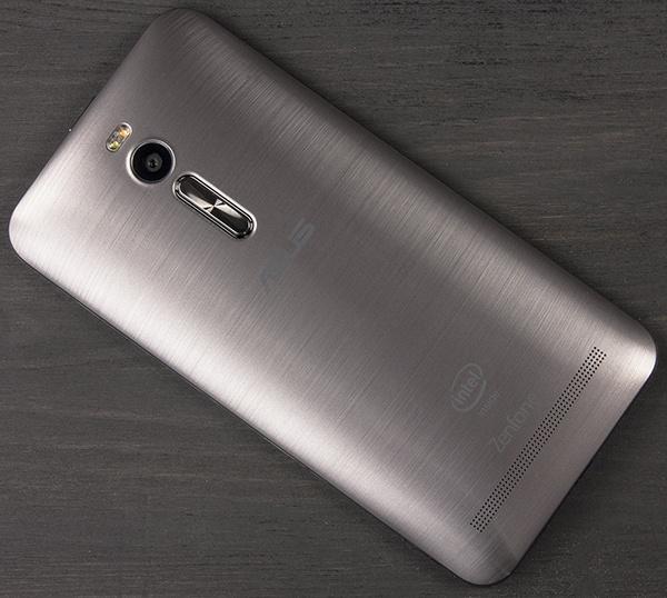 Смартфон Asus ZenFone 2 ZE551ML-18-4G16GN оценили в 230 долларов