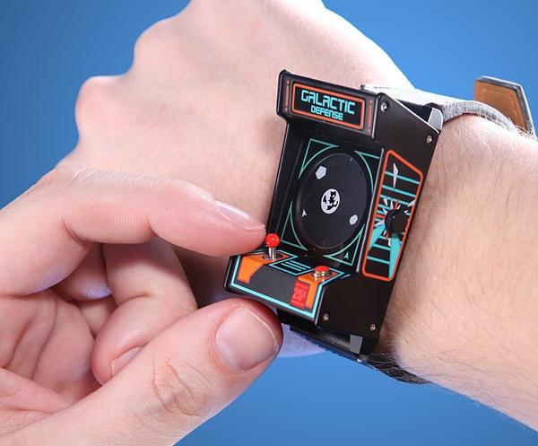 Всему свое время: 10 интересных моделей наручных Geek-часов за последние 10 лет - 12