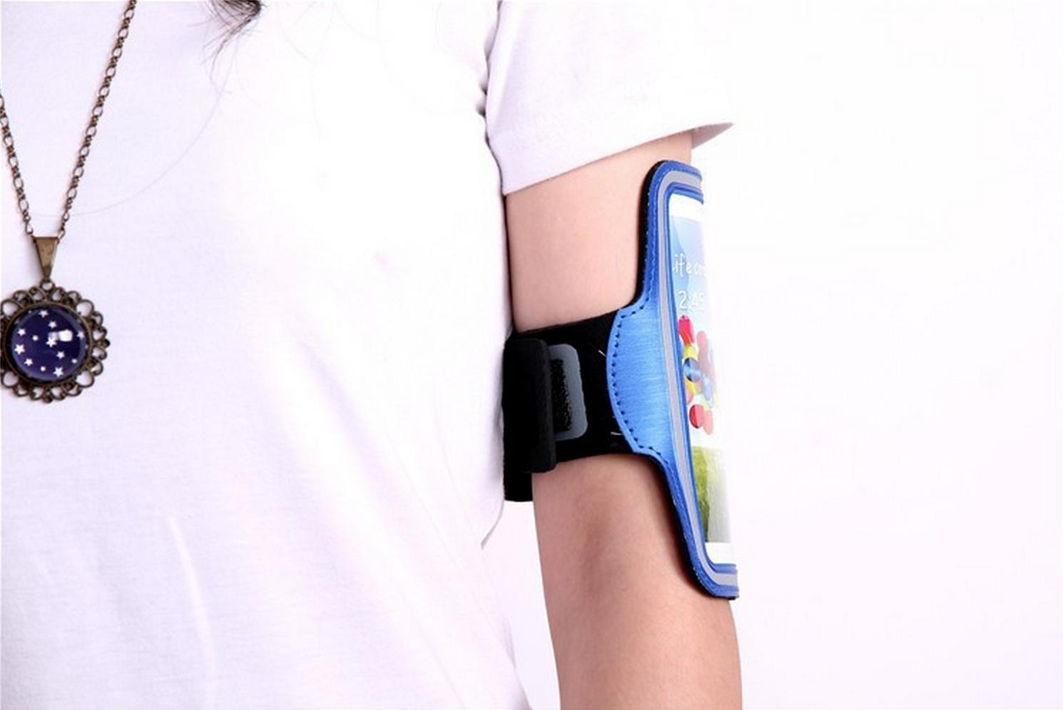 Обзор не гаджета. Выбираем лучший чехол для тренировок и другие аксессуары для смартфонов: повязки, сумки и силиконовый карман Adidas - 15