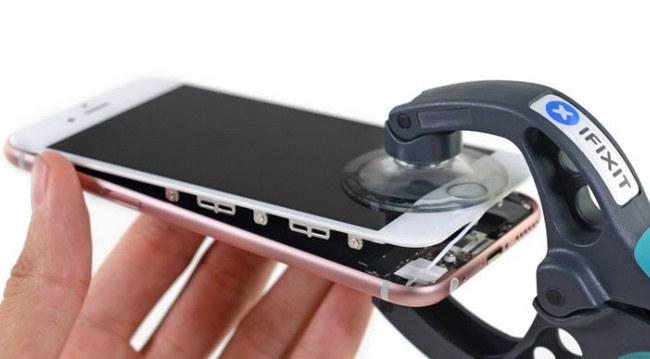 iFixit обнаружила, что Apple использовала новую прокладку, проложенную по всему периметру примыкания стекла к корпусу