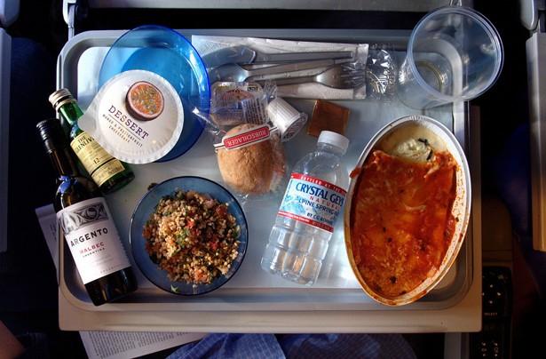 Исследования: Почему самолетная еда такая невкусная - 1
