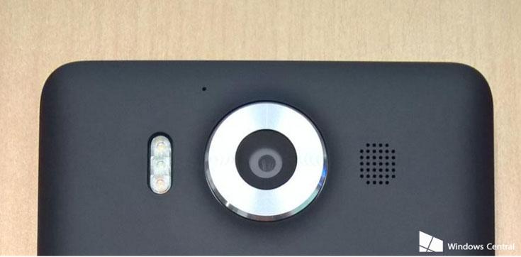 Модель Microsoft Lumia 950 с корпусом из поликарбоната будет предложена в черном и белом вариантах