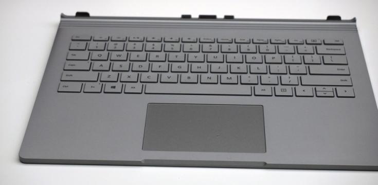Ноутбук Microsoft Surface Book оценивается в $1500