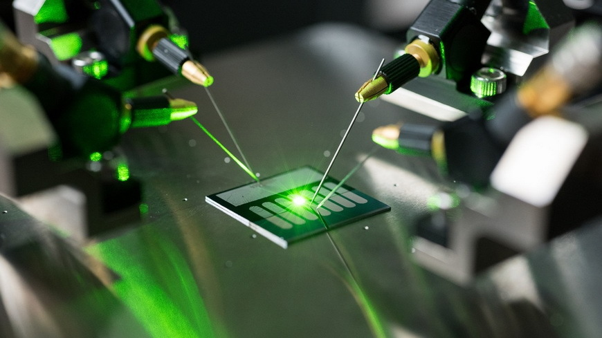 Антенна-выпрямитель из нанотрубок преобразовала свет в постоянный электрический ток - 1