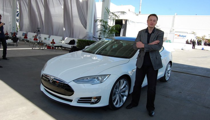 Илон Маск скептически относится к решению Apple выйти на автомобильный рынок
