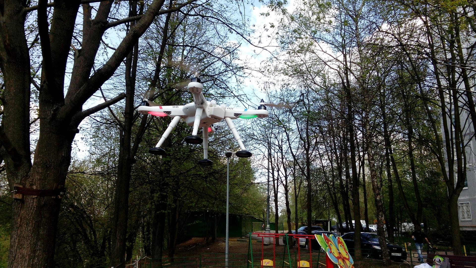 Квадрокоптер для GoPro глазами девушки — Wltoys v303 - 6