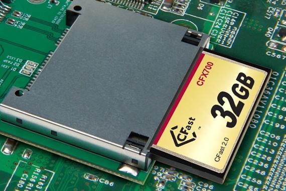 Производитель предлагает применять Transcend CFX700 в различных встраиваемых системах