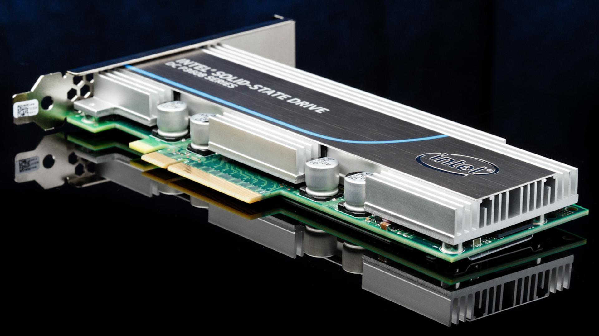 Intel представил самый быстрый SSD-накопитель - 1