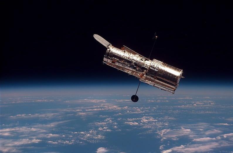 Снимки Юпитера, сделанные телескопом Хаббл, демонстрируют изменения Большого Красного Пятна - 1
