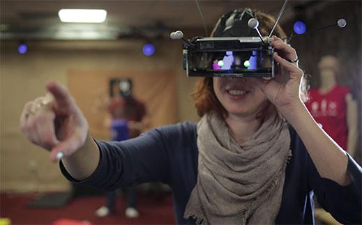 Проект Microsoft Comradre нацелен на создание мультиплеерного режима шлемов дополненной реальности