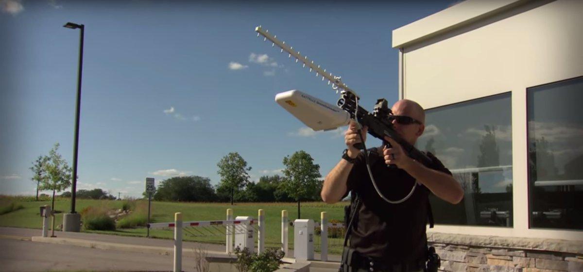 Радиоэлектронная пушка сбивает дроны мощным радиосигналом - 1