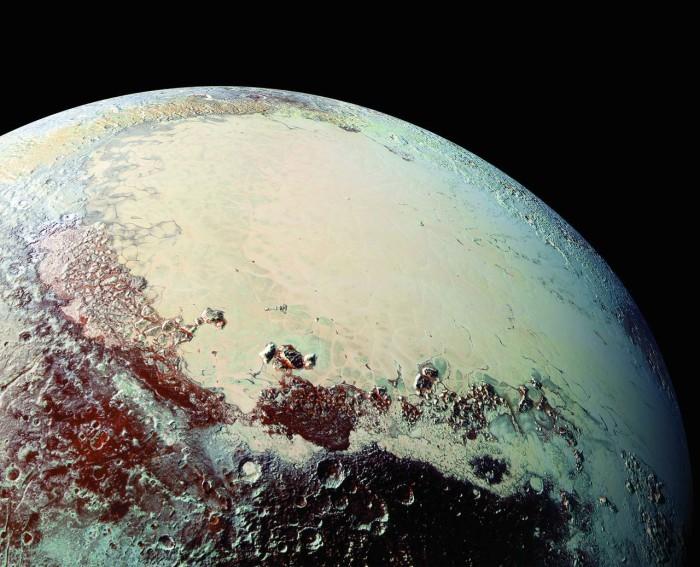 НАСА сделало около 100 открытий по Плутону за три месяца - 3
