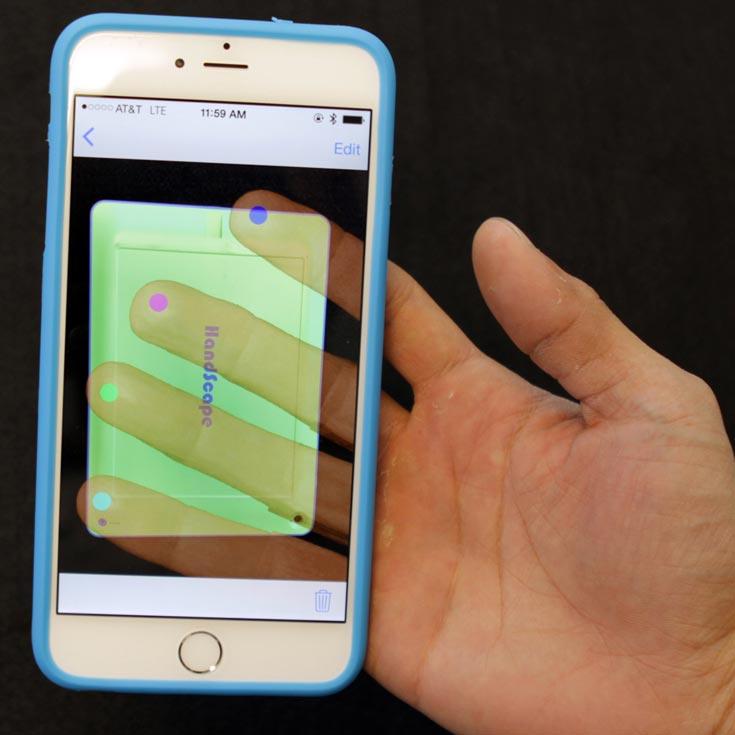 Цены на чехлы HandyCase для iPad и iPhone начинаются с отметки $99