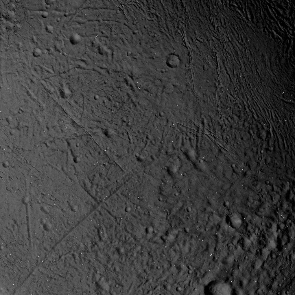 Cassini прислал фотографии Энцелада в хорошем разрешении - 6
