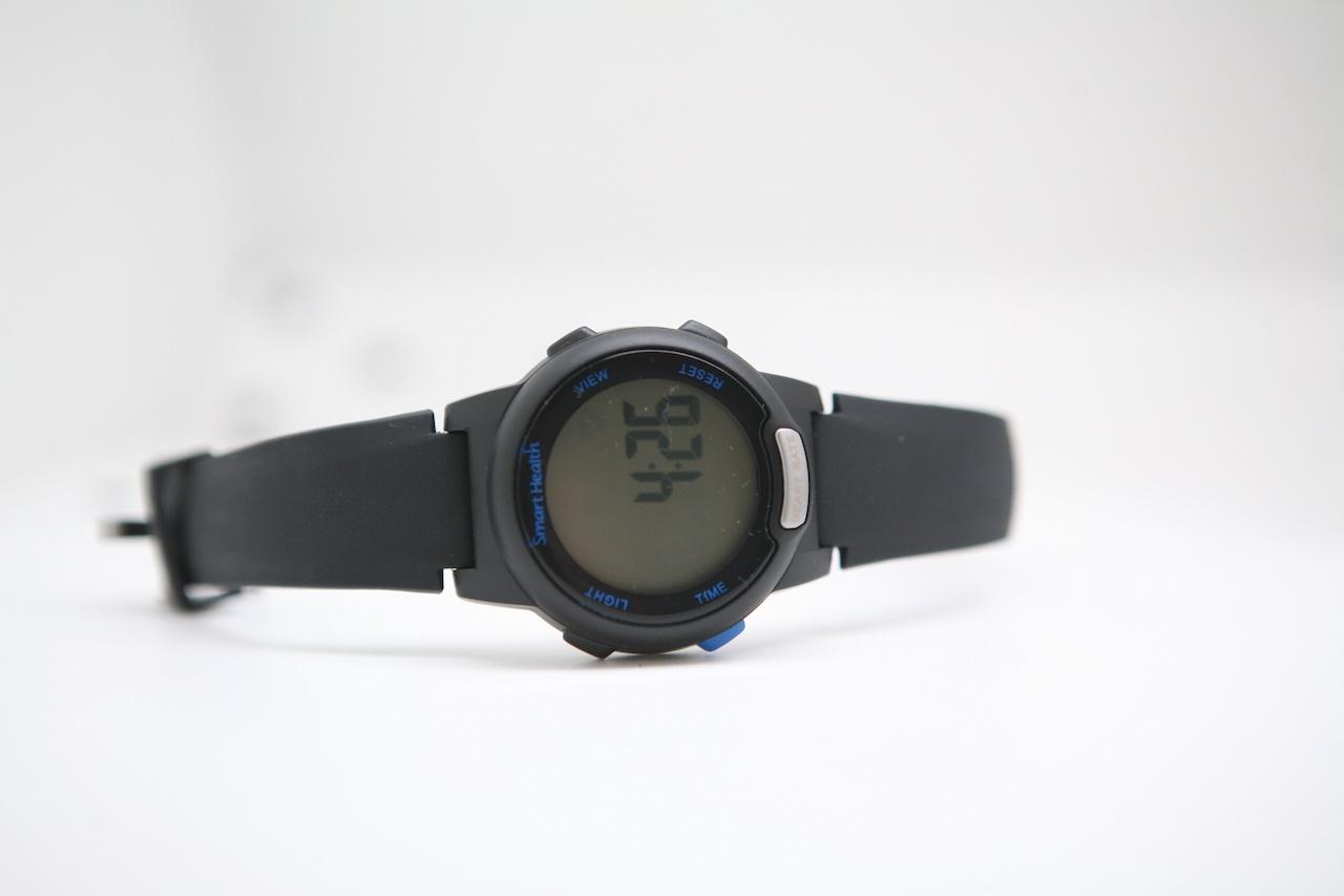 Проще некуда. Самые дешевые часы с пульсометром «для богатых»: Smart Health - 9