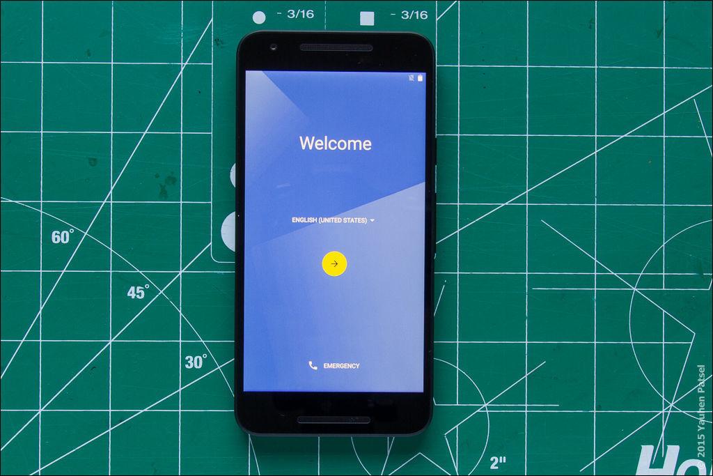 Unboxing Nexus 5X - 10
