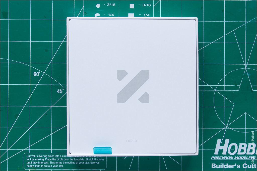 Unboxing Nexus 5X - 3