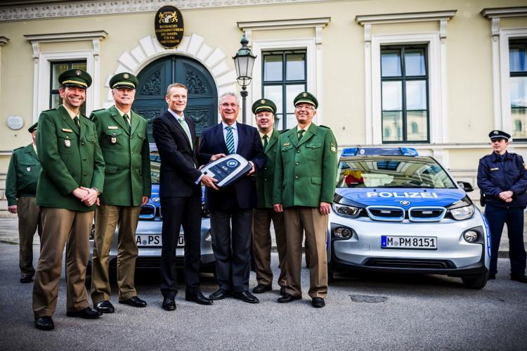 Первый шаг к переходу на электромобили в полиции Германии - 1