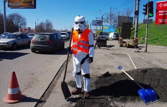 Чубакка задержан полицией Одессы во время агитации за Дарта Вейдера - 1