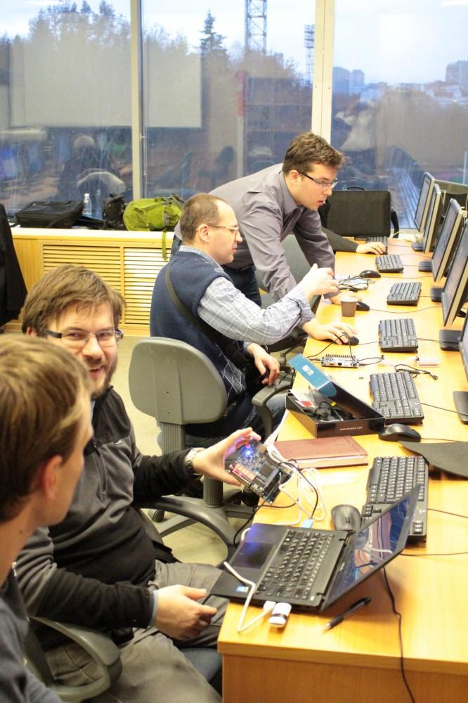 Провели семинар по процессору на ПЛИС MIPSfpga в МИЭТ - 10
