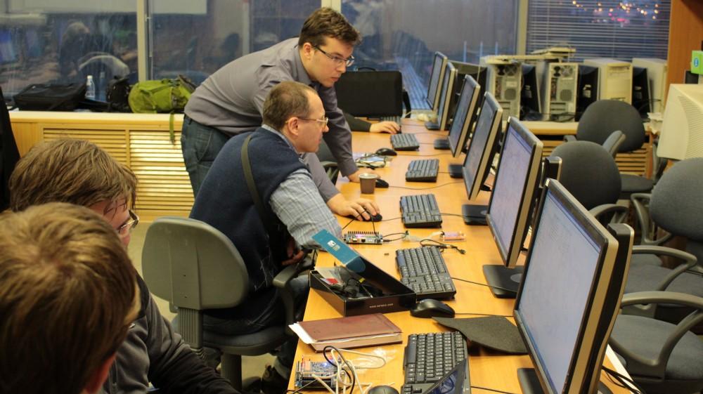 Провели семинар по процессору на ПЛИС MIPSfpga в МИЭТ - 11