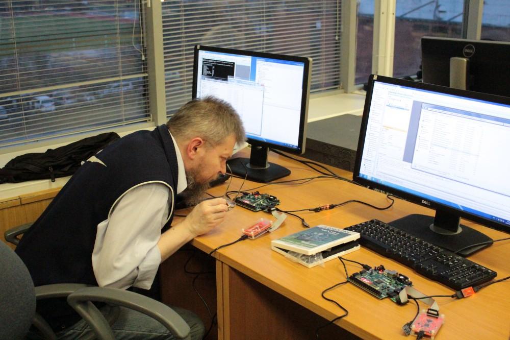 Провели семинар по процессору на ПЛИС MIPSfpga в МИЭТ - 8