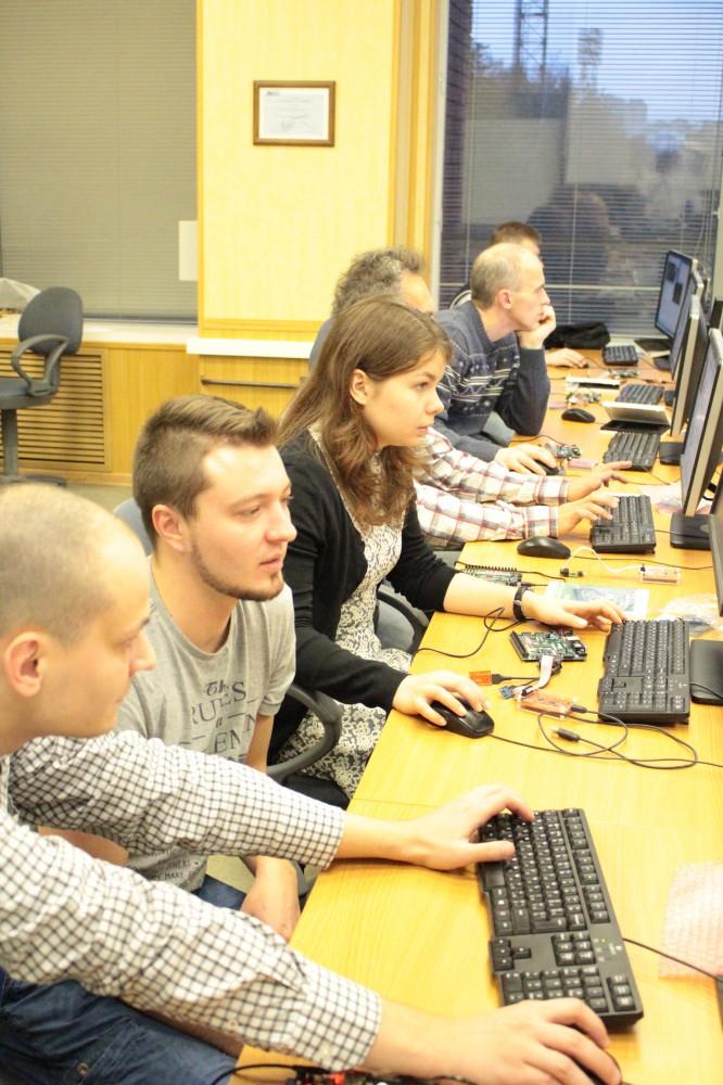 Провели семинар по процессору на ПЛИС MIPSfpga в МИЭТ - 1