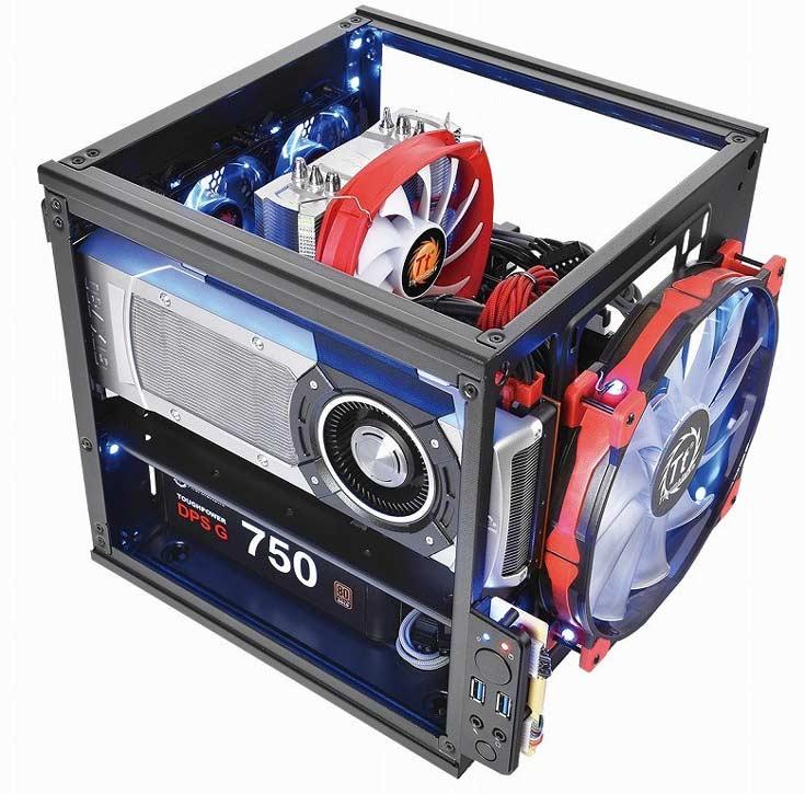 Интересной особенностью корпуса Thermaltake Suppressor F1 является взаимозаменяемость панелей