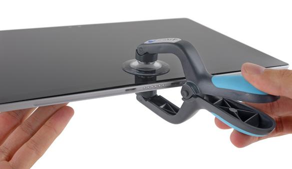 Планшет Microsoft Surface Pro 4 заработал у iFixit всего два балла