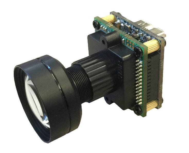 Силами FPGA MachXO3 в референсном образце промышленной камеры реализован интерфейсный мост с пропускной способностью до 900 Мбит/с
